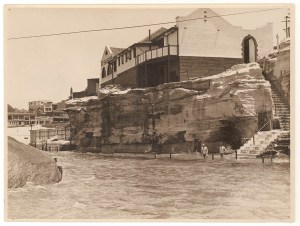 Giles's Hot Sea Baths, Coogee, c. 1930s, by Sam Hood. Courtesy State Library of NSW via Flickr