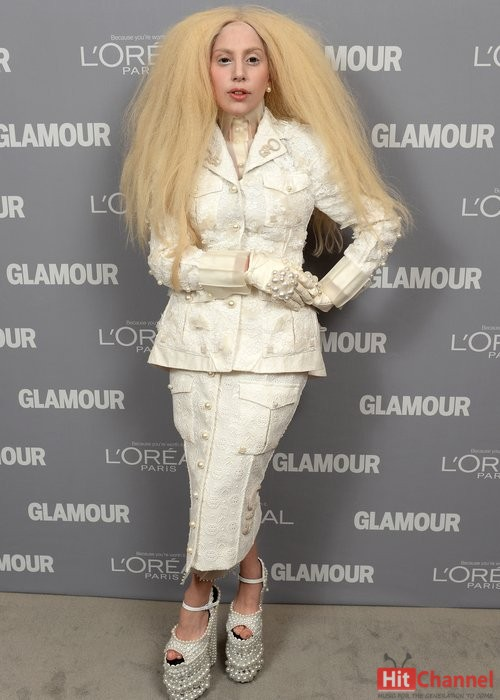 Lady Gaga στα glamour women of the year awards 2013