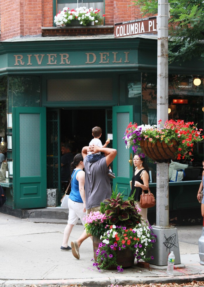 travel  5 Things: A Travel Guide to Brooklyn Heights