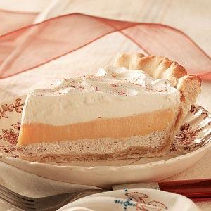 Eggnog Cream Pies Recipe | Holiday Cottage