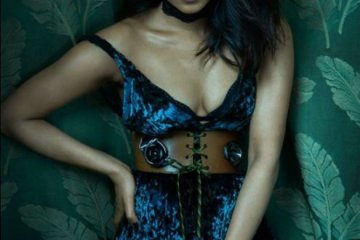 priyanka-chopra-hot-photo-shoot-for-flaunt-magazine-2207