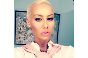 amber-rose-fake-lashes-line-leaad