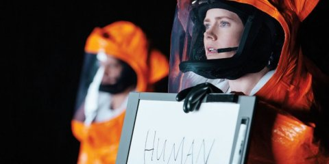 arrival_-_amy_adams__still_-_h_-_2016