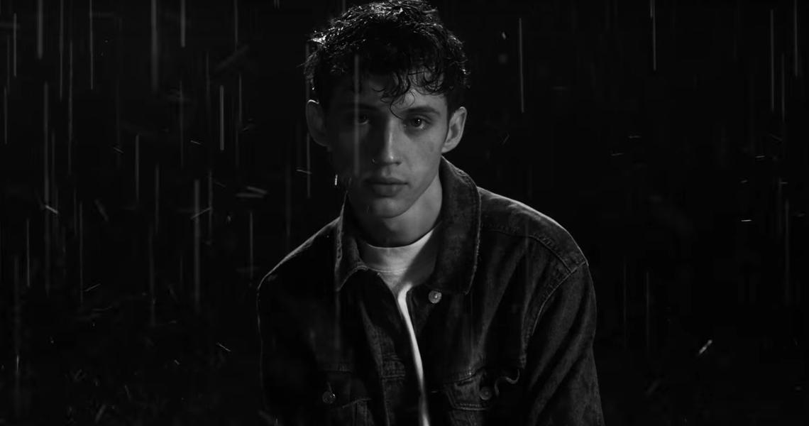 """Troye Sivan feiert die LGBT-Geschichte im neuen Video zu """"Heaven"""""""