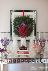 鏡にクリスマスリース