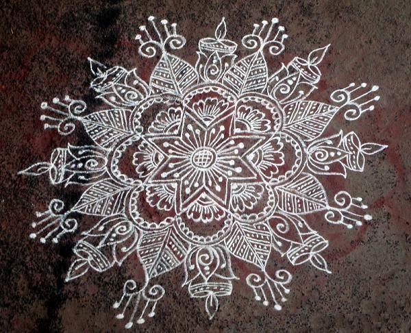 Kolam - Combining Art And Geometry