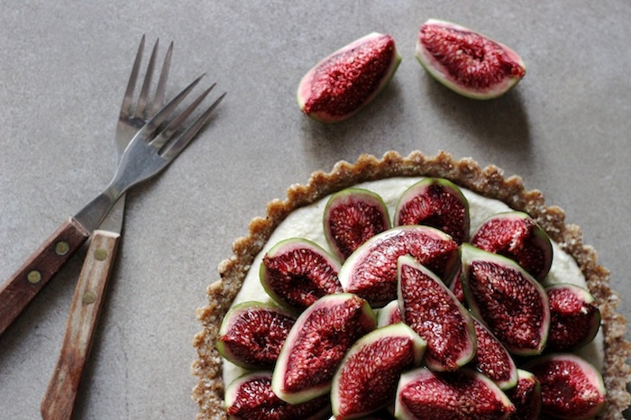 fig_honey_tart_above