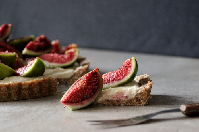 RAW Fig & Honey Tart | HOMEGROWN KITCHEN
