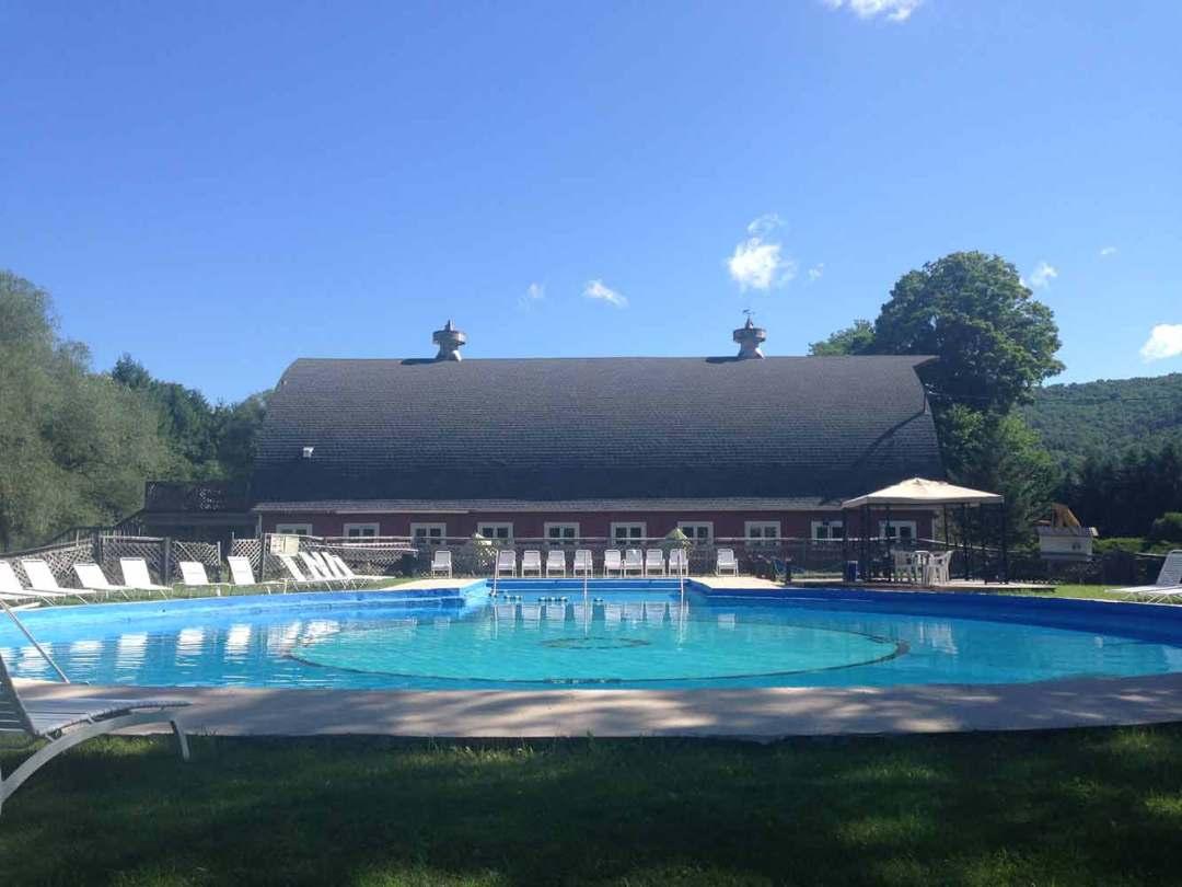 Pool-Homestead-Resort-NYstate