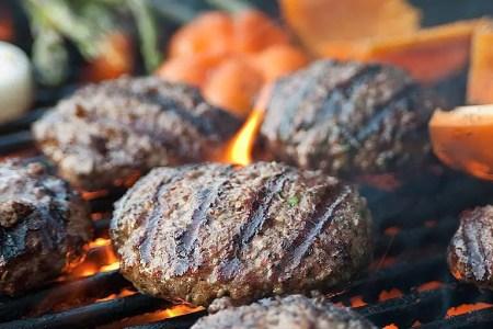 15 Tips For A Perfect Backyard Burger