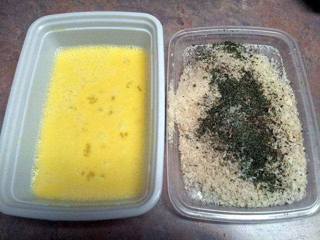 Egg wash and bread crumbs for making homemade chicken fingers