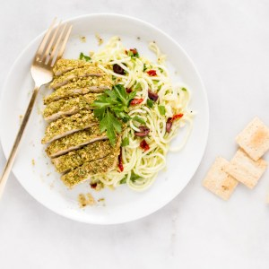 30-Minute Paleo Cracker-Crusted Chicken With Garlicky Lemon Zucchini Noodles {gluten free + dairy free + paleo + vegan option}
