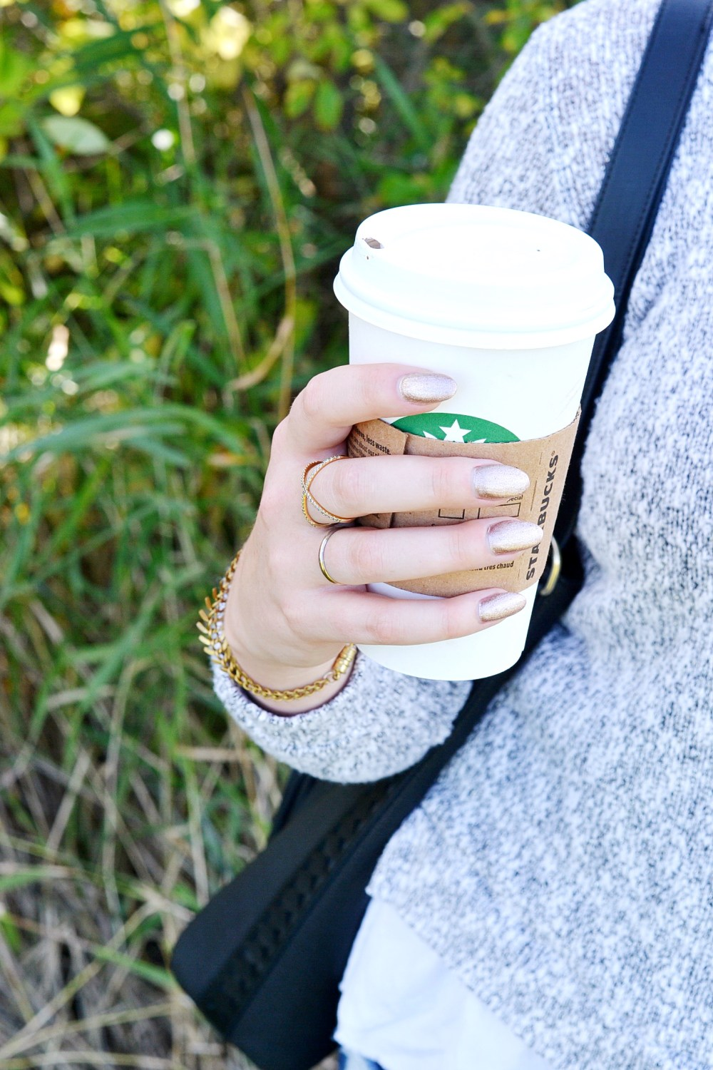 oval nails with starbucks
