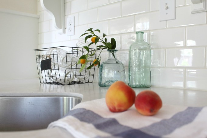 Decorating-WIth-Vintage-Baskets