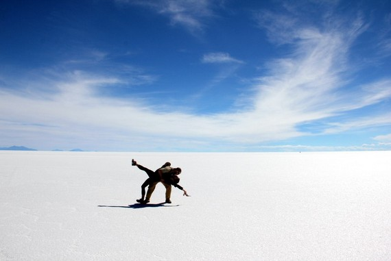 Mike and Anne dance dip at Uyuni salt flats bolivia