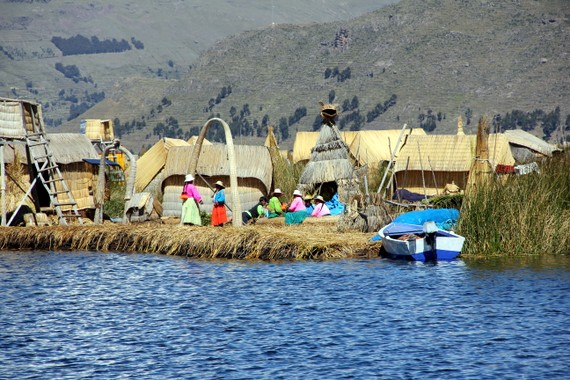 Life on Lake-Titicaca