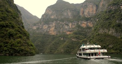 Cruising the Yangtze
