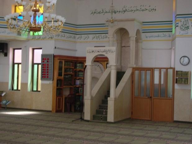 המנין המרכזי במסגד קבר יונה