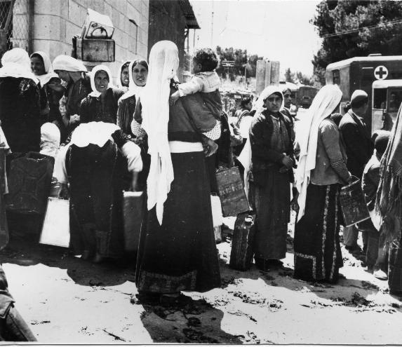חלוקת מים בשכונת בקעה 1948