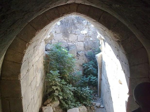 Crusader arch at Tel Hanaton