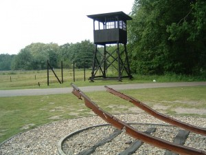 מחנה וסטרבורק - Reconstructed watchtower at Westerbork