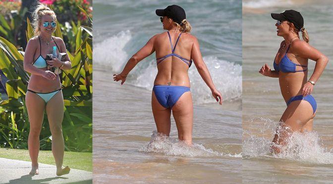 Britney Spears – Bikini Candids in Hawaii