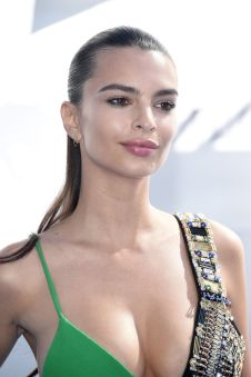 Emily Ratajkowski (22)