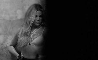 Khloe Kardashian (32)