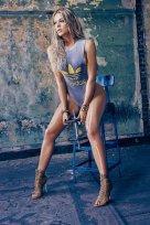 Khloe Kardashian (33)