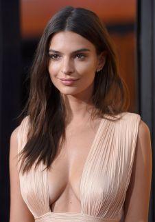 Emily Ratajkowski (33)