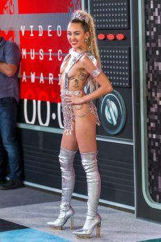 Miley Cyrus (47)