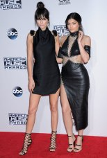 Kendall Kylie (12)