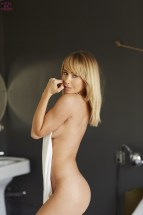 Sara Underwood (65)