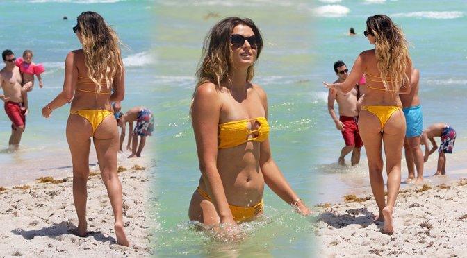 Anastasia Ashley – Bikini Candids in Miami Beach