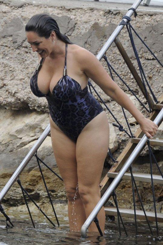 naiset alasti uimassa Nurmes