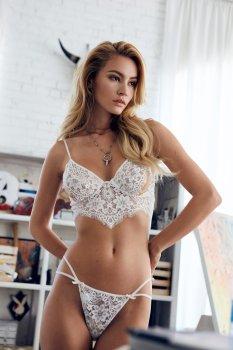 Bryana Holly (4)