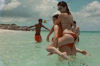 Kendall Kylie Hailey Bella (10)
