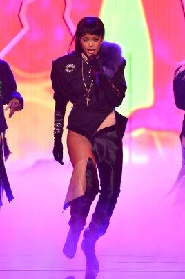 Rihanna (23)