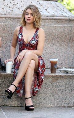 Sarah Hyland (16)