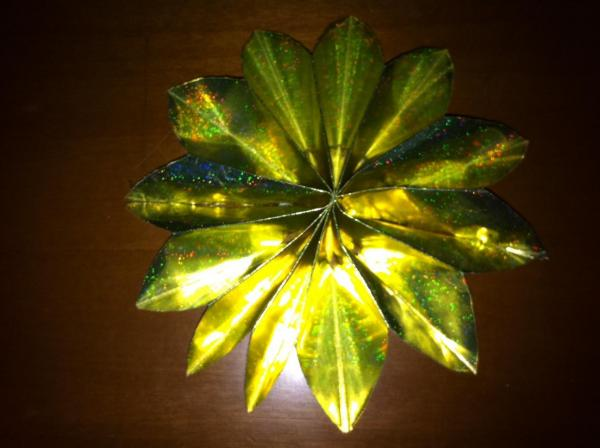 Making Stars Out of Paper at Home for Christmas Decorations