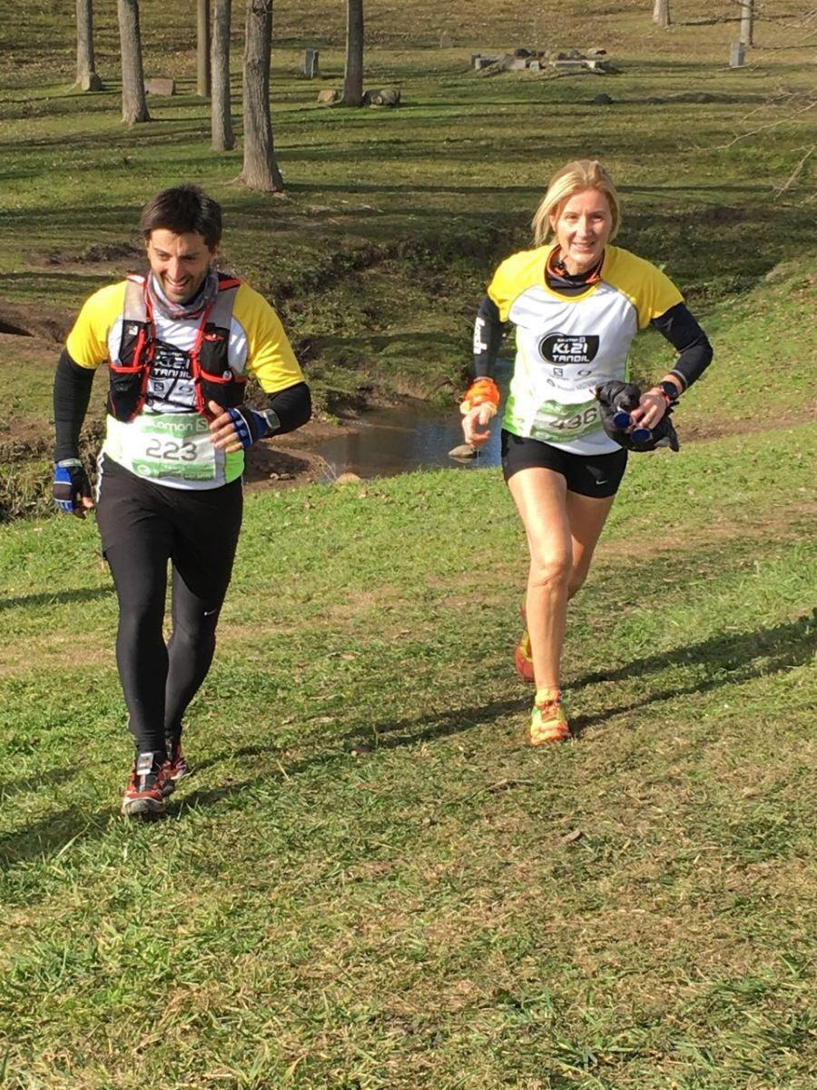 Atletas mercedinos corrieron media maratón