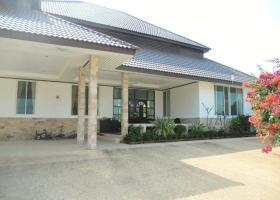 Large House With Land For Sale (6)