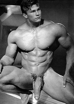 muscle gay alien art