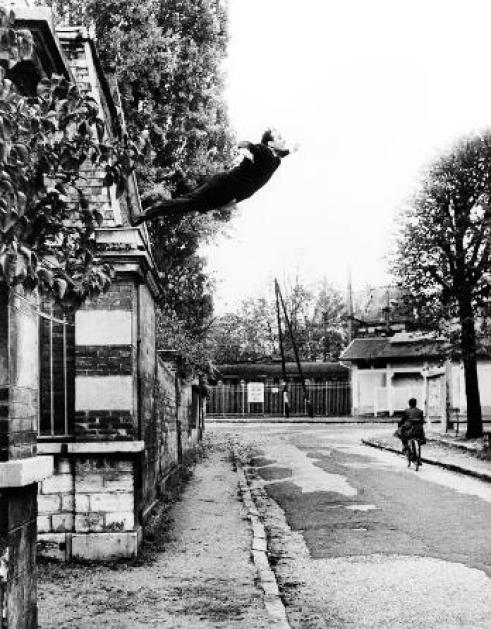leap-into-the-void-1960