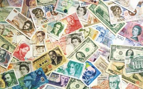 """The 5 """"MUSTS"""" of Money When Traveling Abroad"""