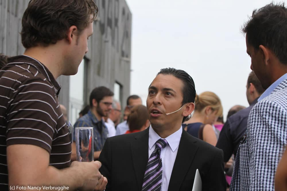 Brian Solis and Olivier Blanchard and attendee Fusion Marketing Experience event i-SCOOP – picture Nancy Verbrugghe