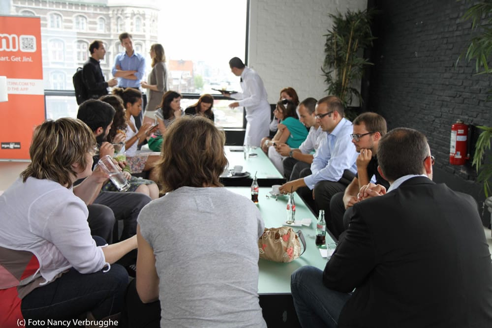 Networking over lunch at the Brian Solis Social Business Sessions by i-SCOOP – picture Nancy Verbrugghe