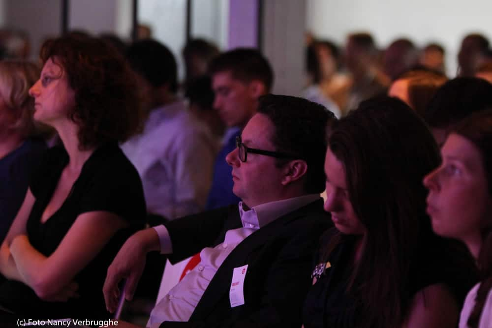 These Days CEO Erwin Jansen – center – listening attentively to Brian Solis at the Social Business Sessions by i-SCOOP – picture Nancy Verbrugghe