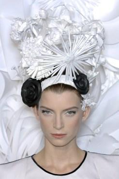 Галерея шляпок от Katsuya Kamo из бумаги (5)