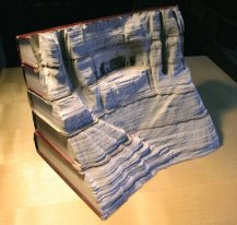 Галерея скульптур из книг от Гая Ларами (5)